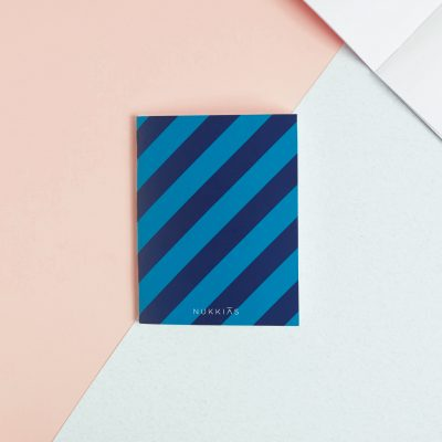 blue-diagonal-lines